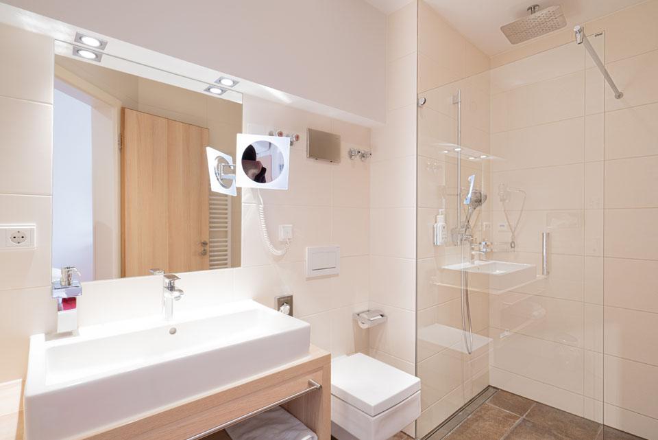 Doppelzimmer Superior Badezimmer | Hotel Adler